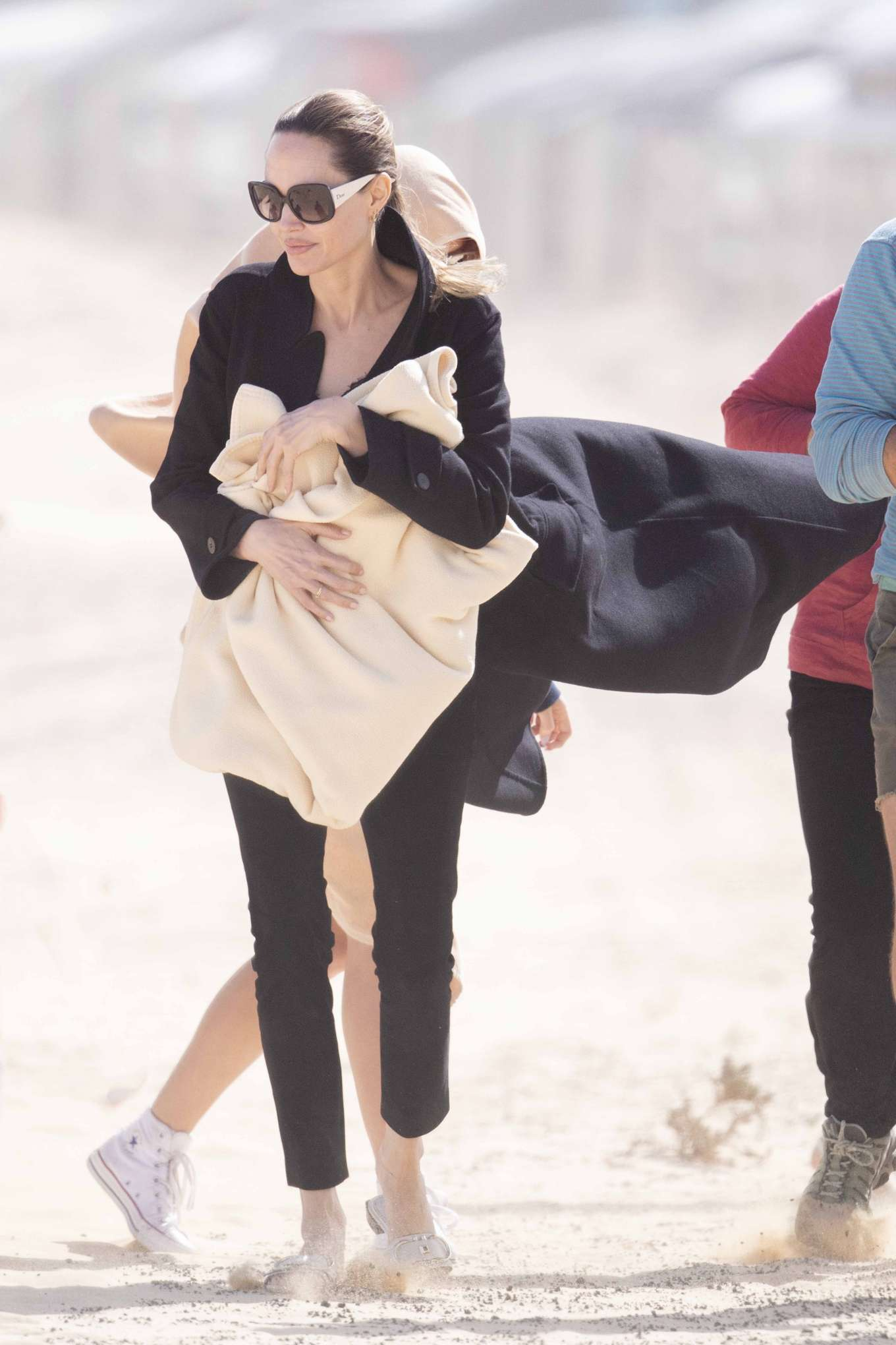 Angelina Jolie 2019 : Angelina Jolie – Take a break from filming on the beach in Fuerteventura-03