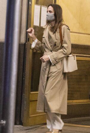 Angelina Jolie - Was spotted leaving her Ex-husband Jonny Lee Miller's Brooklyn apartment in LA