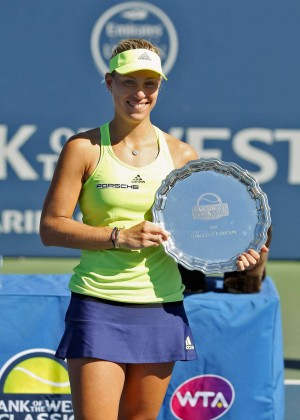 Angelique Kerber - Bank of the West Classic in Stanford