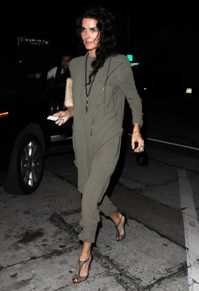 Angie Harmon - Craig's Restaurant in West Hollywood
