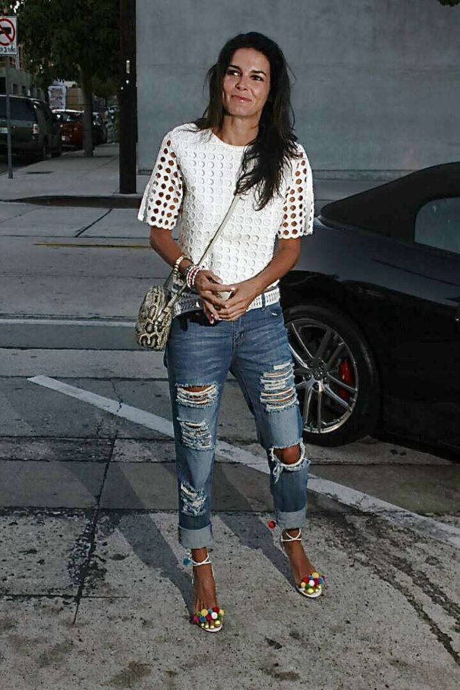Angie Harmon in Ripped Jeans -03 – GotCeleb