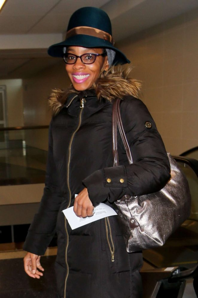 Anika Noni Rose - Arrives at LAX Airport in Los Angeles