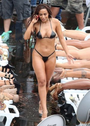 Anitta in Bikini shooting a new music video in the favelas of Rio de Janeiro