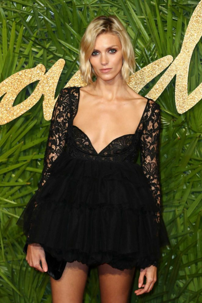 Anja Rubik - 2017 Fashion Awards in London