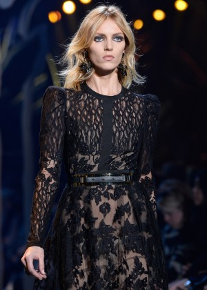 Anja Rubik - Elie Saab Fashion Show 2015 in Paris