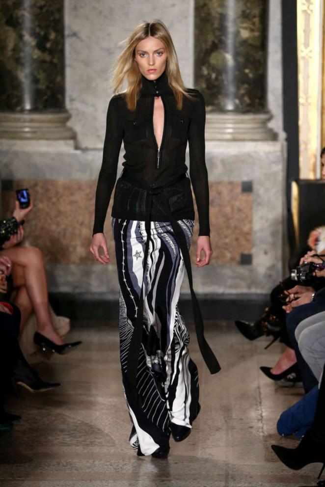 Anja Rubik - Emilio Pucci Fashion Show 2015 in Milan