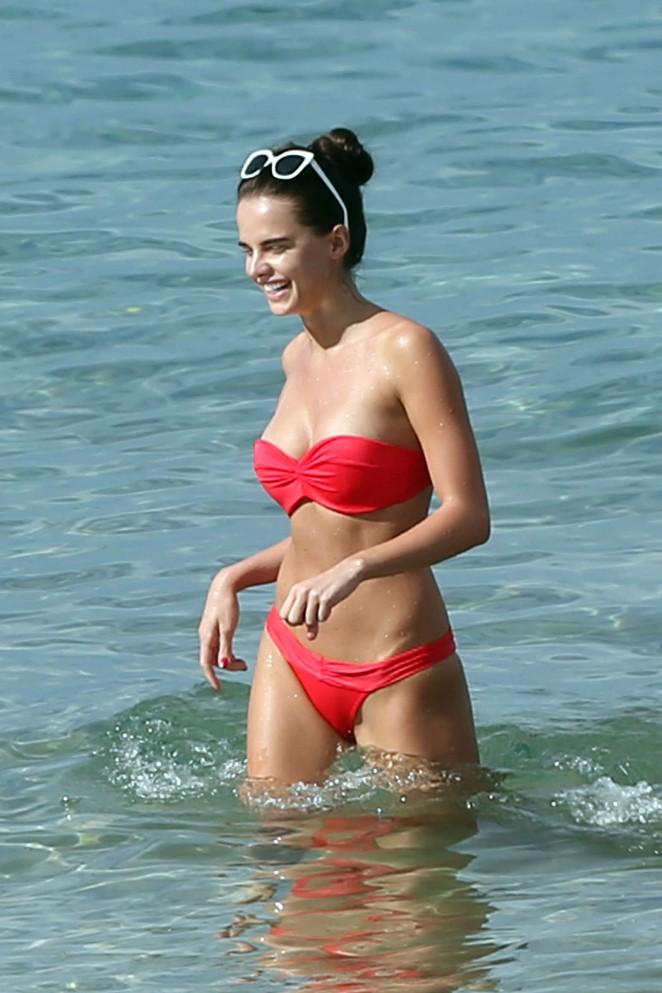 Anna Andres: Bikini Candids-12