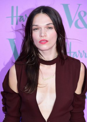Anna Brewster - 2018 Victoria and Albert Museum Summer Party in London