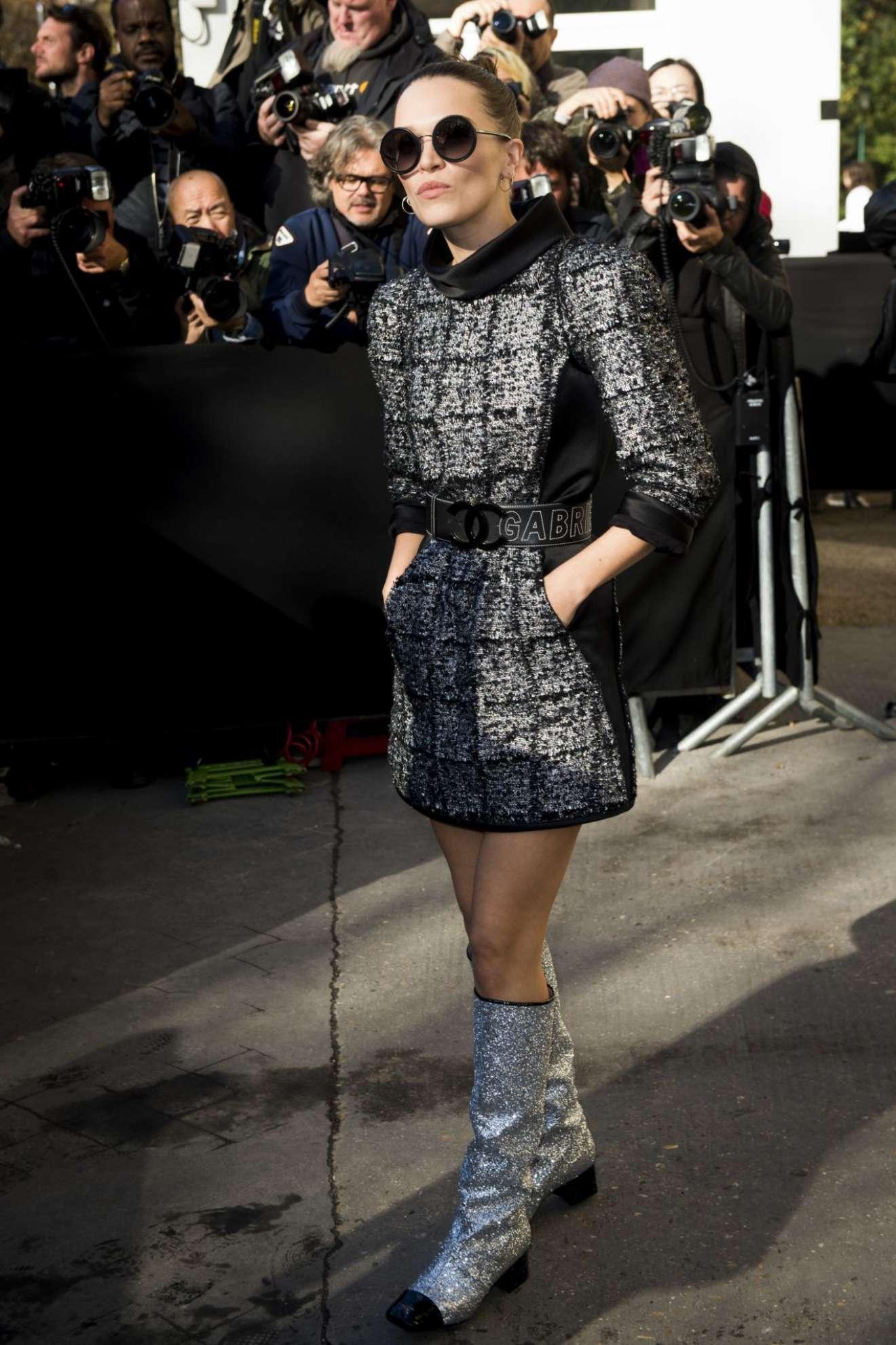 Anna Brewster 2017 : Anna Brewster – Chanel Fashion Show, Paris Fashion Week in Paris-06