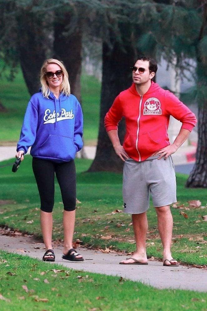 Anna Camp and Skylar Astin - Take their dog for a stroll in Los Feliz