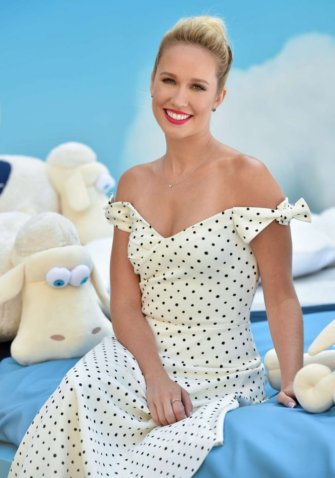 Anna Camp – Anna Camp and Serta promotional event in Los Angeles