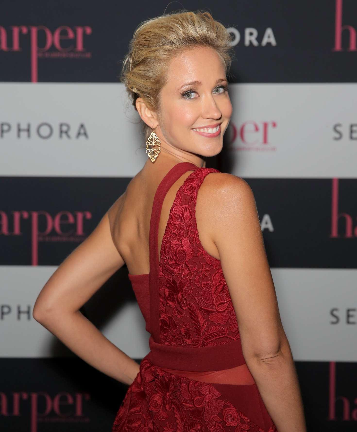 Anna Camp 2016 : Anna Camp: harper x Harpers BAZAAR September Issue Event -08