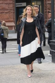 Anna Camp - Outside the Build Studio in New York City