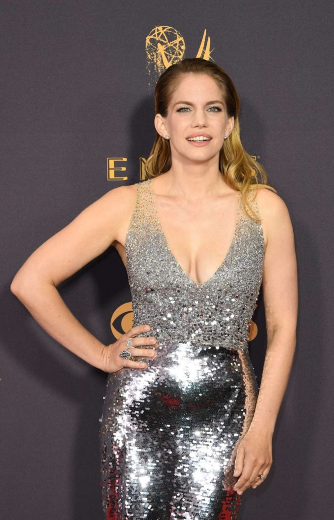 Anna Chlumsky 2017 Primetime Emmy Awards In Los Angeles