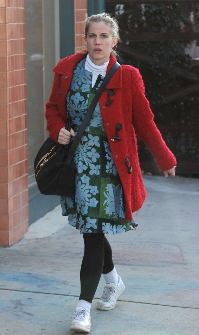 Anna Chlumsky in Floral Dress out in Beverly Hills