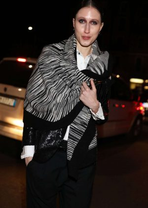 Anna Cleveland - Arriving at Dsquared2 FW2017 Men's show in Milan