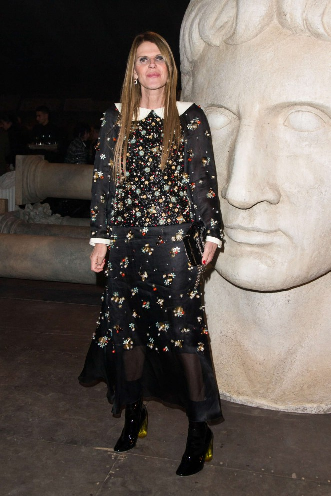 Anna Dello Russo - Chanel Metiers d'Arts Fashion Show 2015 in Rome