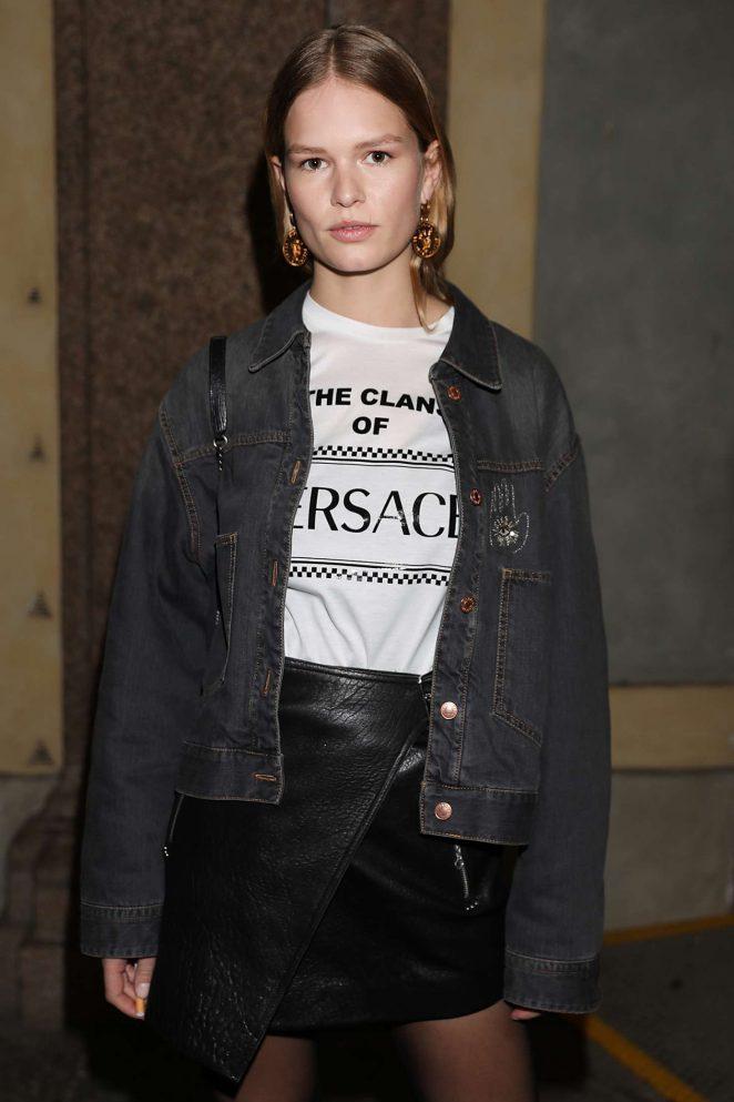Anna Ewers - Versace Fashion Show 2018 in Milan
