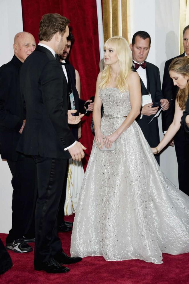 Anna Faris: 2015 Oscars -03