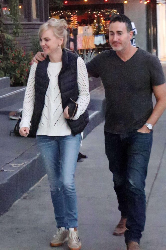Anna Faris and Michael Barrett out in Venice