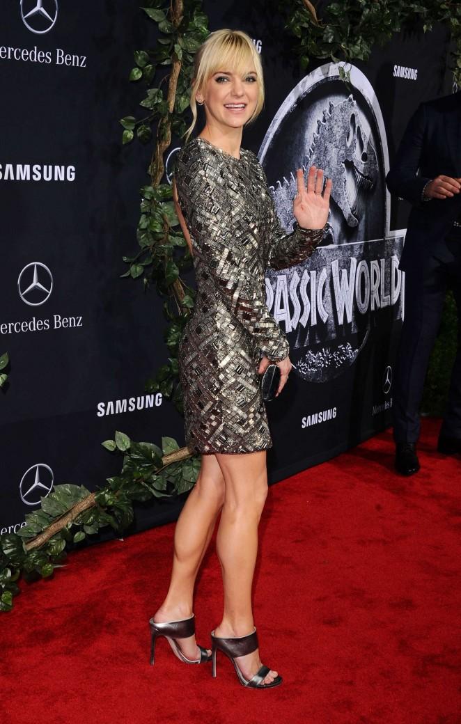 Anna Faris – 'Jurassic World' Premiere in Hollywood