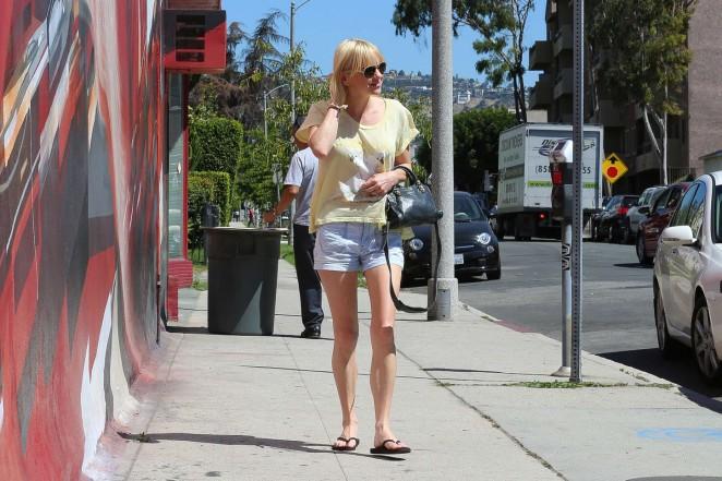 Anna Faris in Denim Shorts -04