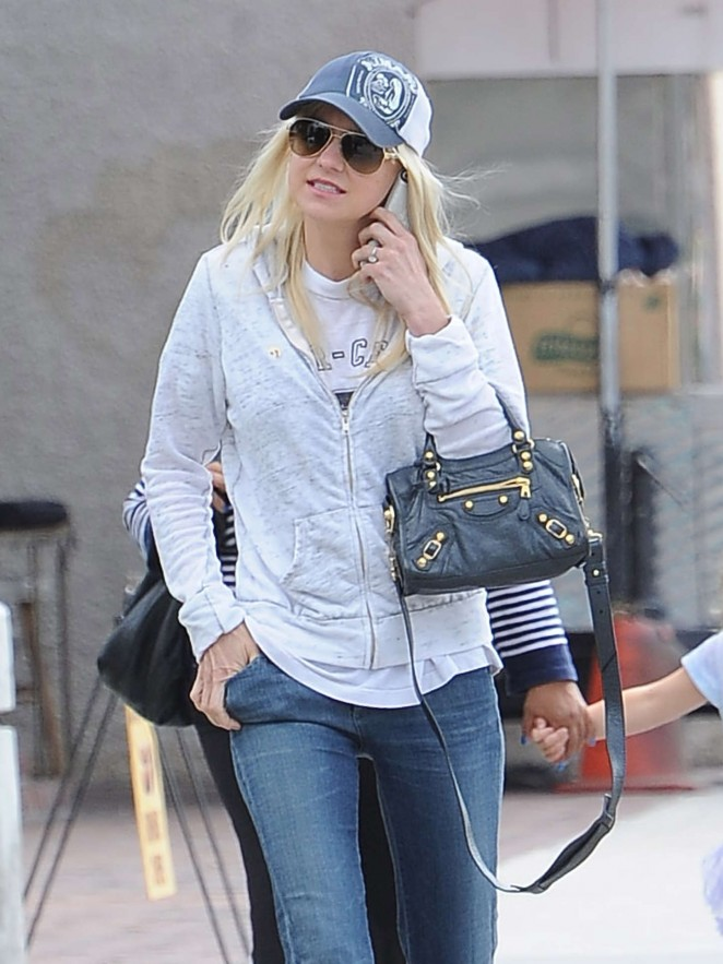 Anna Faris – Out and about in Studio City