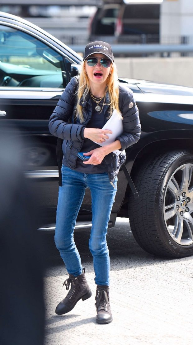Anna Faris: Out in New York City -01 | GotCeleb