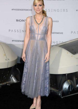 Anna Faris - 'Passengers' Premiere in Los Angeles