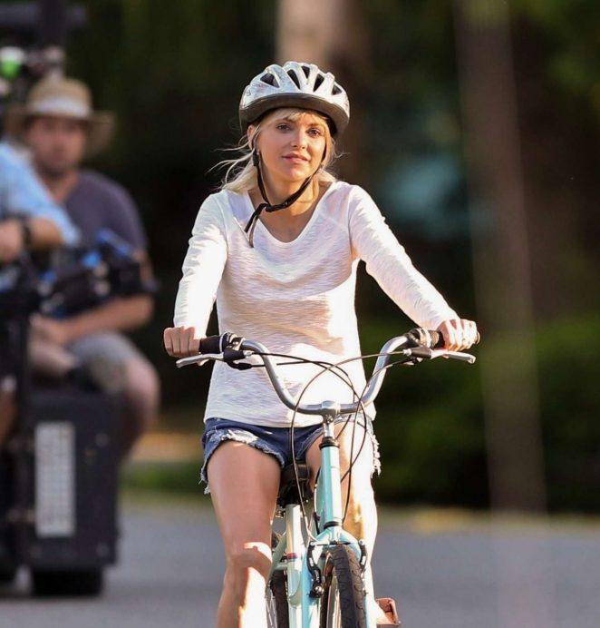 Anna Faris rides a bike for a scene in Overboard -45