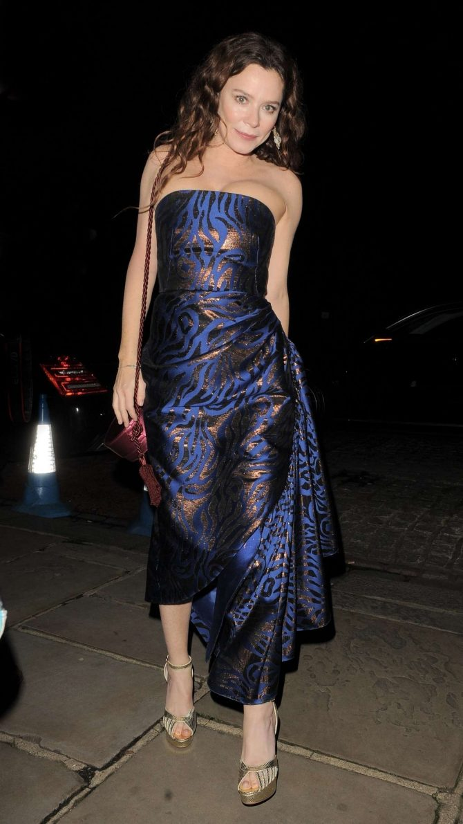 Anna Friel – Attends Evgeny Lebedev's Christmas Party in London
