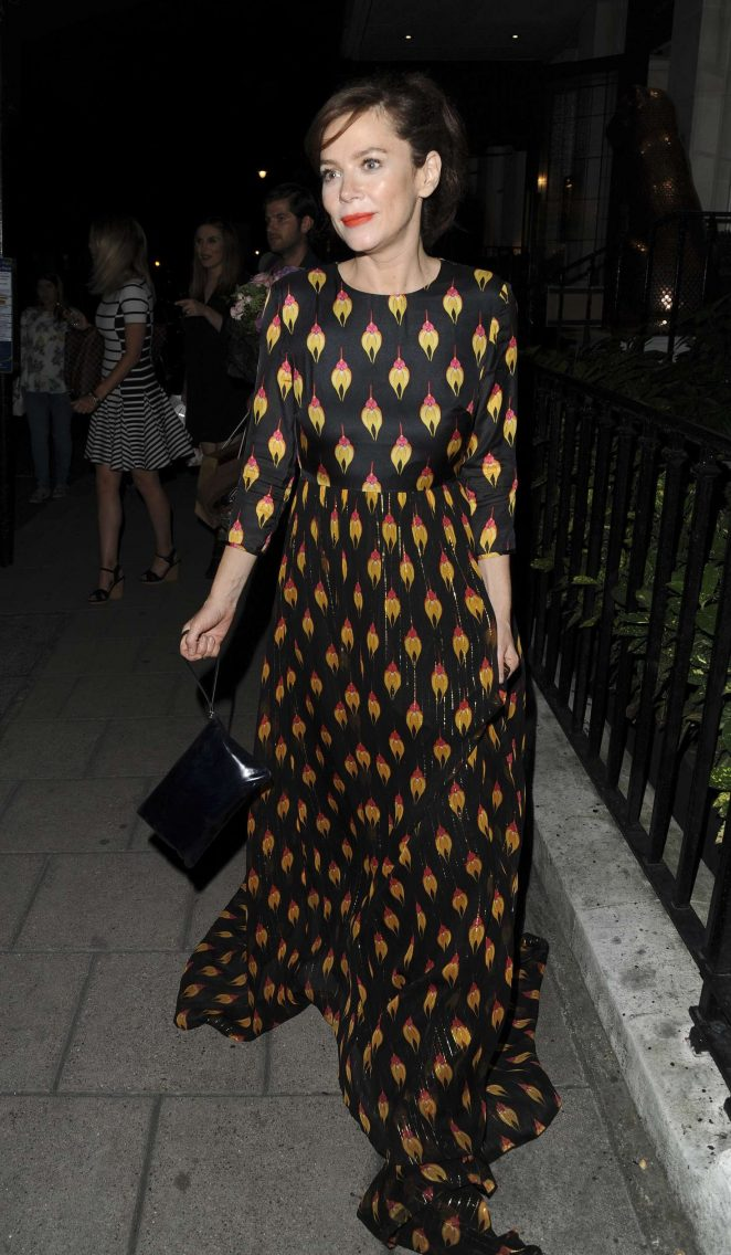 Anna Friel Leaving Mayfairs 34 Restaurant in London