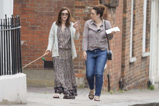 Anna Friel walks her dog in Windsor -08