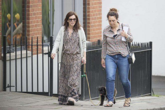Anna Friel walks her dog in Windsor -10