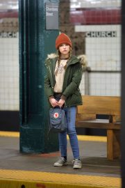 Anna Kendrick - Filming 'Love Life' in Brooklyn, New York