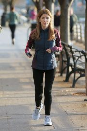 Anna Kendrick - Filming 'Love Life' in New York City