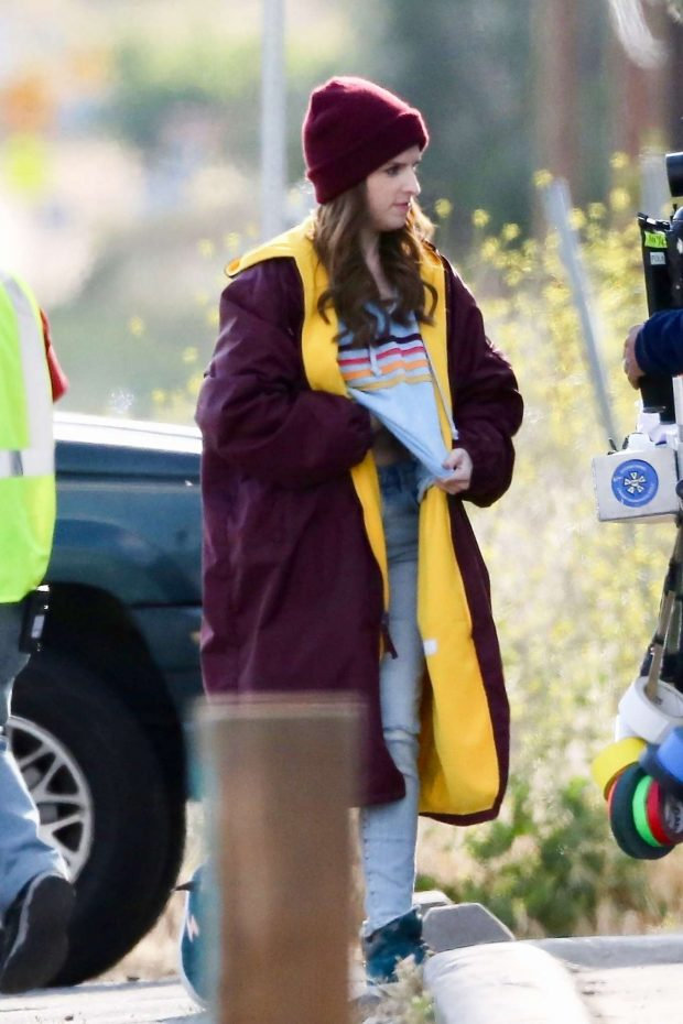 Anna Kendrick - Films scenes for her new movie 'Dummy' in LA