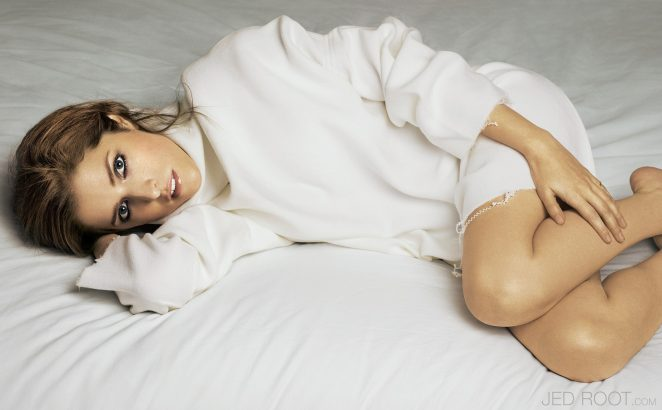 Anna Kendrick Glamour UK 2017 09