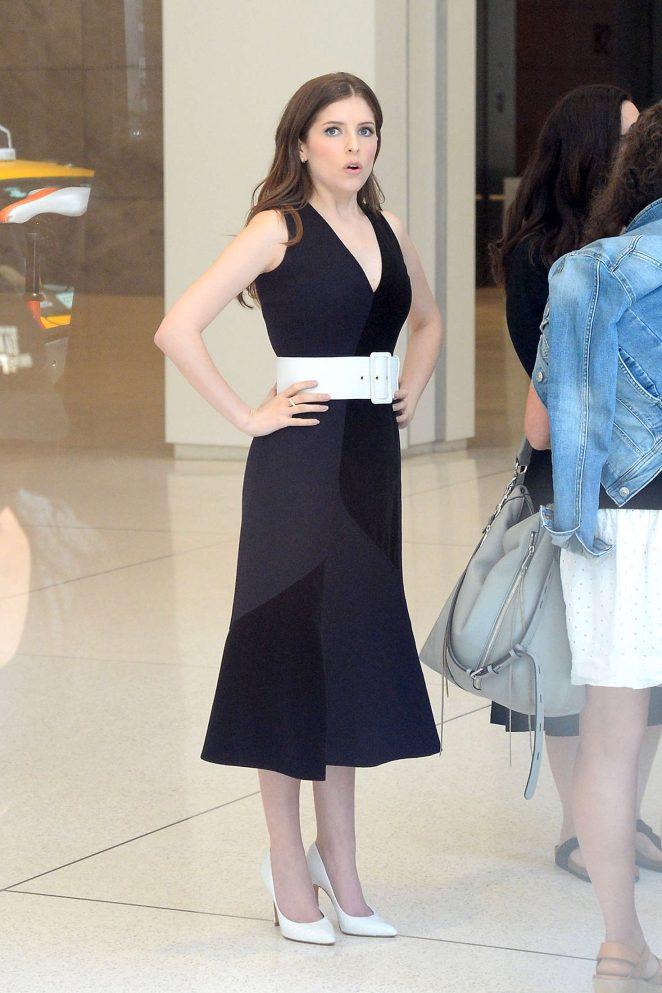 Anna Kendrick in Black Dress -08