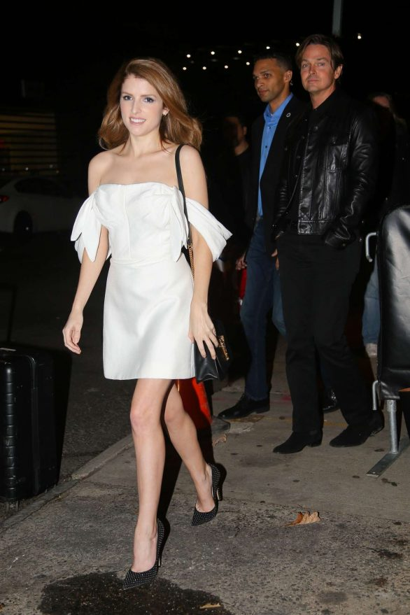Anna Kendrick 2019 : Anna Kendrick – Outside The Daily Show with Trevor Noah-04