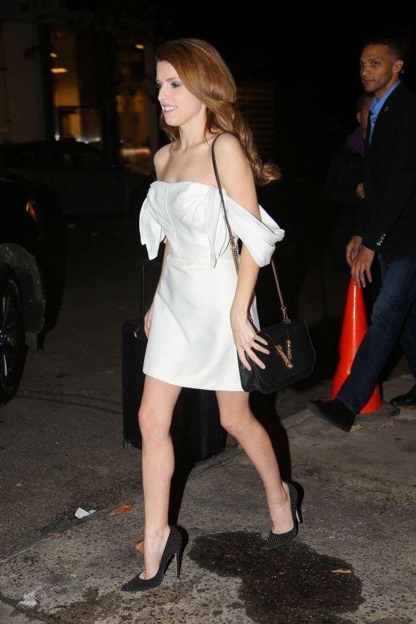 Anna Kendrick 2019 : Anna Kendrick – Outside The Daily Show with Trevor Noah-08