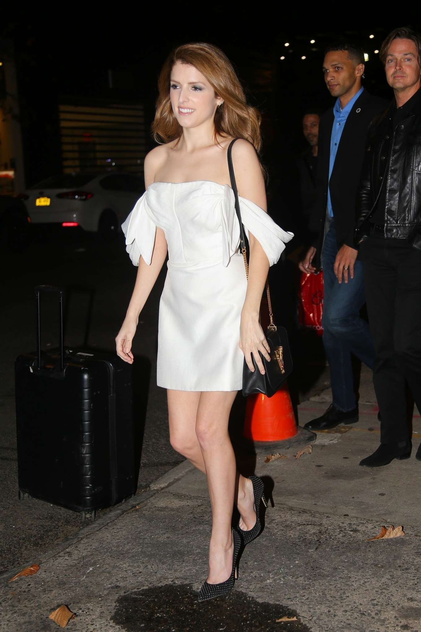 Anna Kendrick 2019 : Anna Kendrick – Outside The Daily Show with Trevor Noah-10