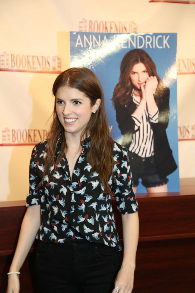 Anna Kendrick - Signs her new book 'Scrappy Little Nobody' in Ridgewood