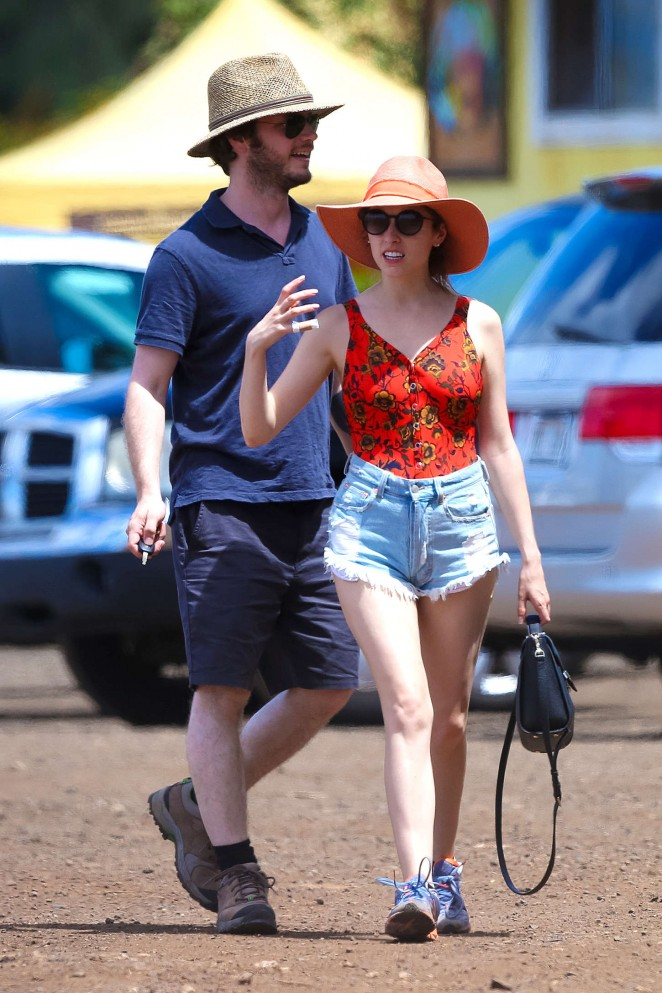 Anna Kendrick in Jeans Shorts on Vactioning in Oahu