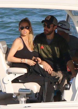 Anna Kournikova and Enrique Iglesias on a boat ride in Miami