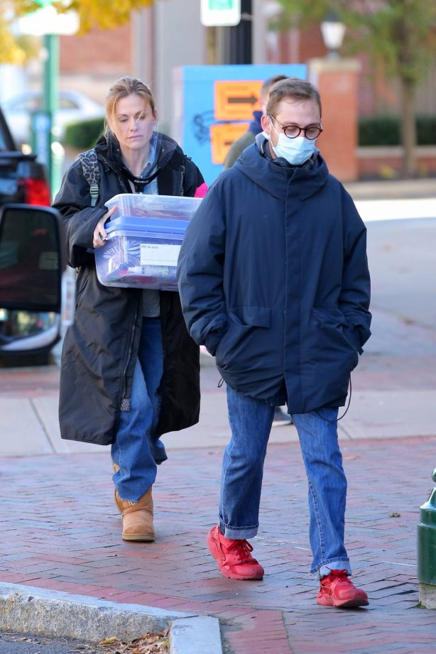 Anna Paquin - On the set of 'Modern Love' filming at Healthy Cafe in Schenectady