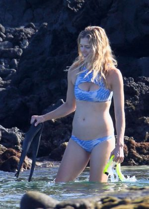 Anna Rawson in Bikini in Hawaii