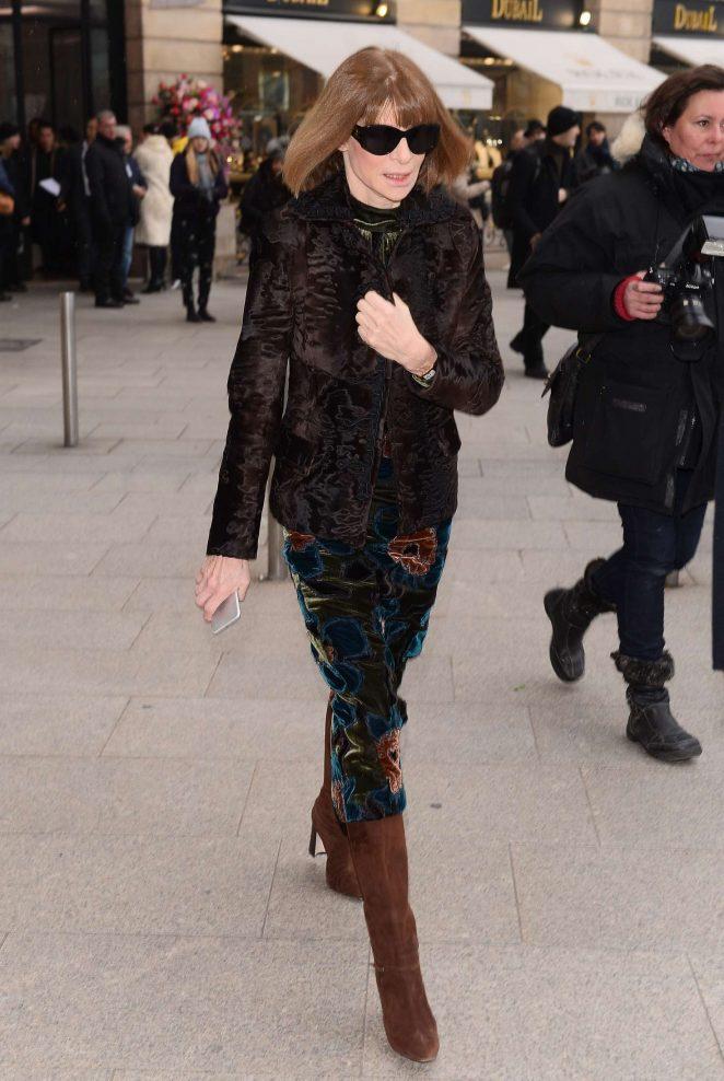 Anna Wintour - Arrives at Schiapparelli Fashion Show 2017 in Paris