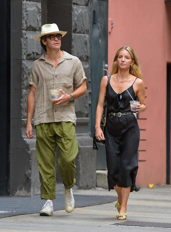 Annabelle Wallis and Chris Pine - Out and about in NYC