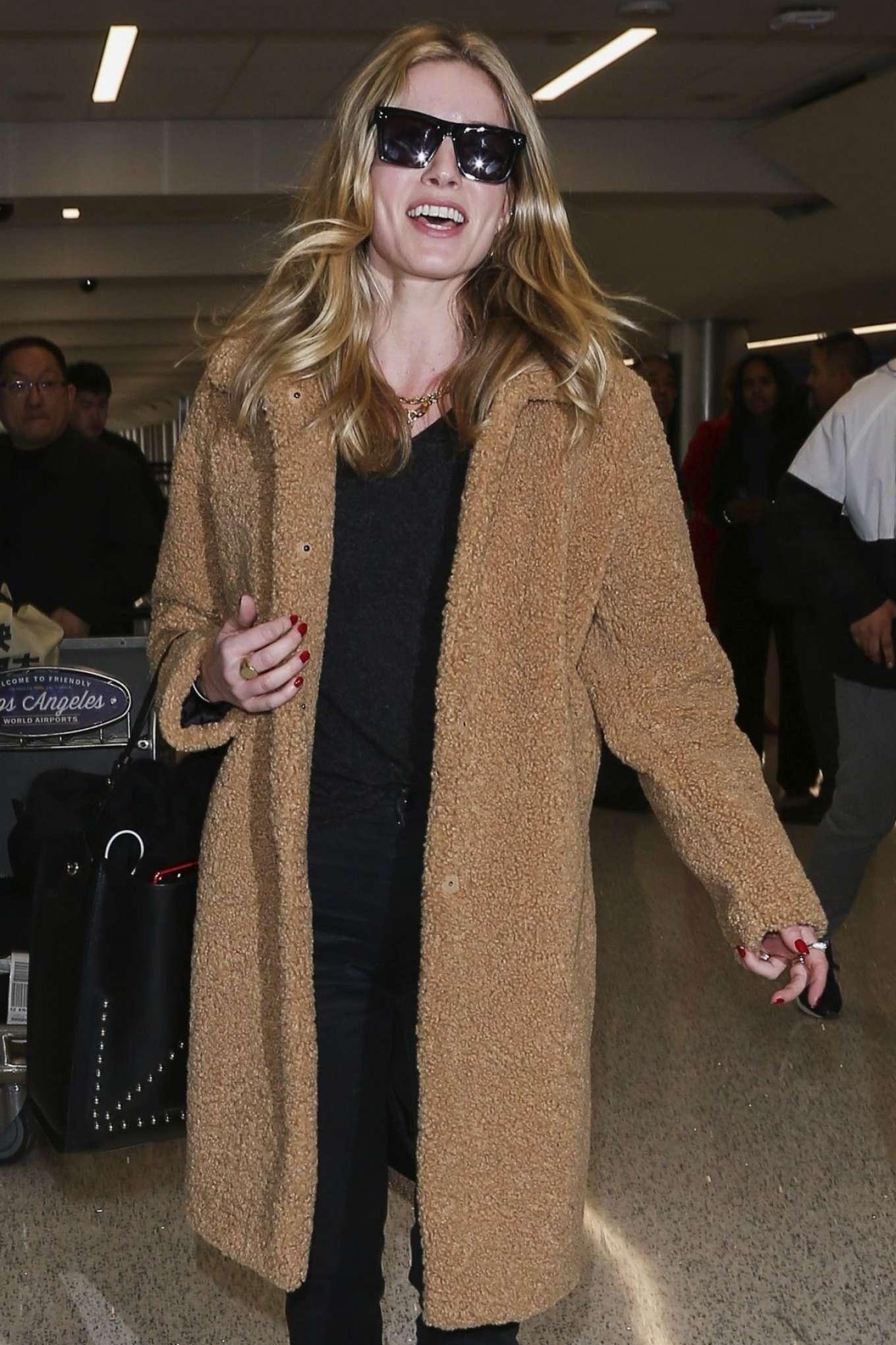 Annabelle Wallis 2018 : Annabelle Wallis at LAX International Airport -04